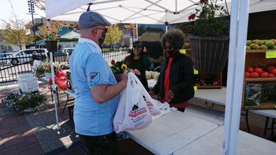 Waterloo Urban Farmers Market Adapts to Serve Community